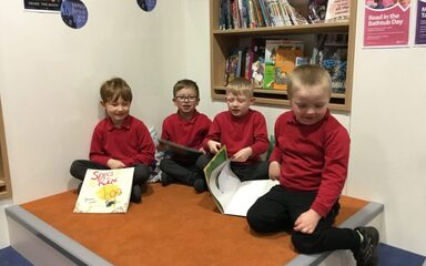 Reception class visit to the library
